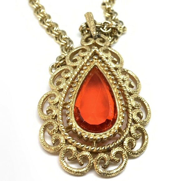 Vintage Jewelry - Vintage Red crystal Gold filigree chain Necklace